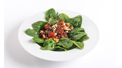 Salada de Quinoa em cama de Espinafres