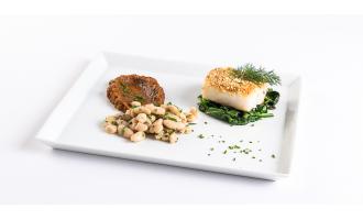 Receitas Nicul: Bacalhau em crosta de amêndoas e feijão com puré de abóbora e espinafres salteados